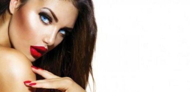 10 Dicas de maquiagem surpreendentes para os olhos azuis