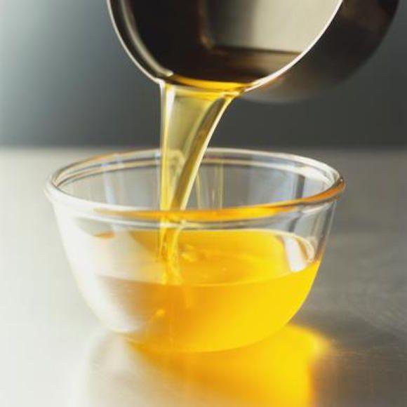10 Razões surpreendentes porque você deve começar a usar manteiga ou ghee esclarecida para pele e cabelo