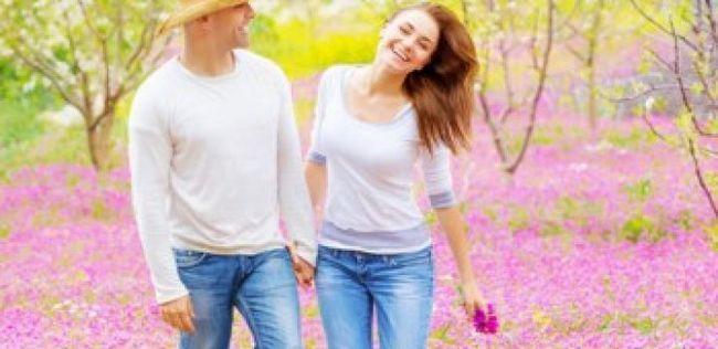 10 Mitos comuns sobre casais felizes que você deveria parar de acreditar