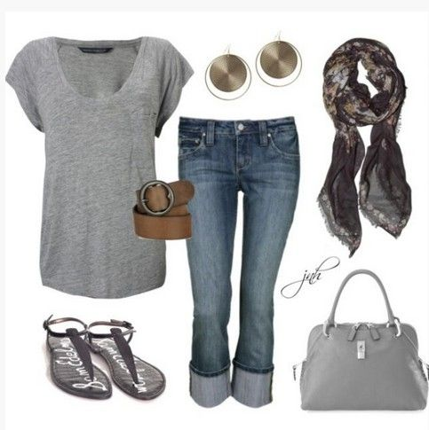 Casual cinza Primavera Outfit, solto cinza top de malha e sandálias