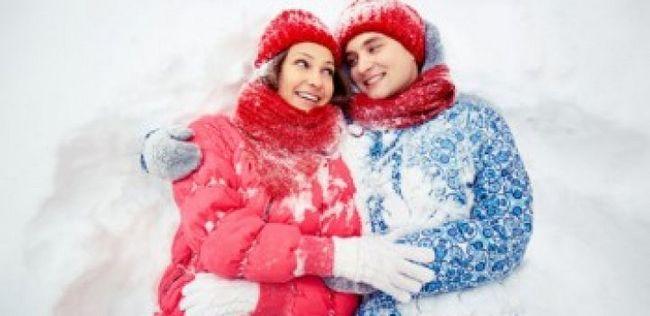 10 Razões pelas quais você deve viajar com um cara antes de amarrar o nó com ele
