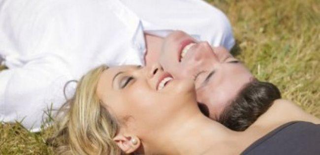 10 sinais de que você está em um relacionamento alegre, forte e inquebrável