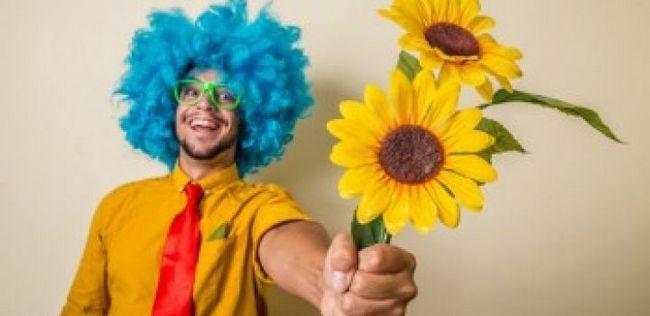 10 Coisas estranhas e engraçadas homens acham que são românticos