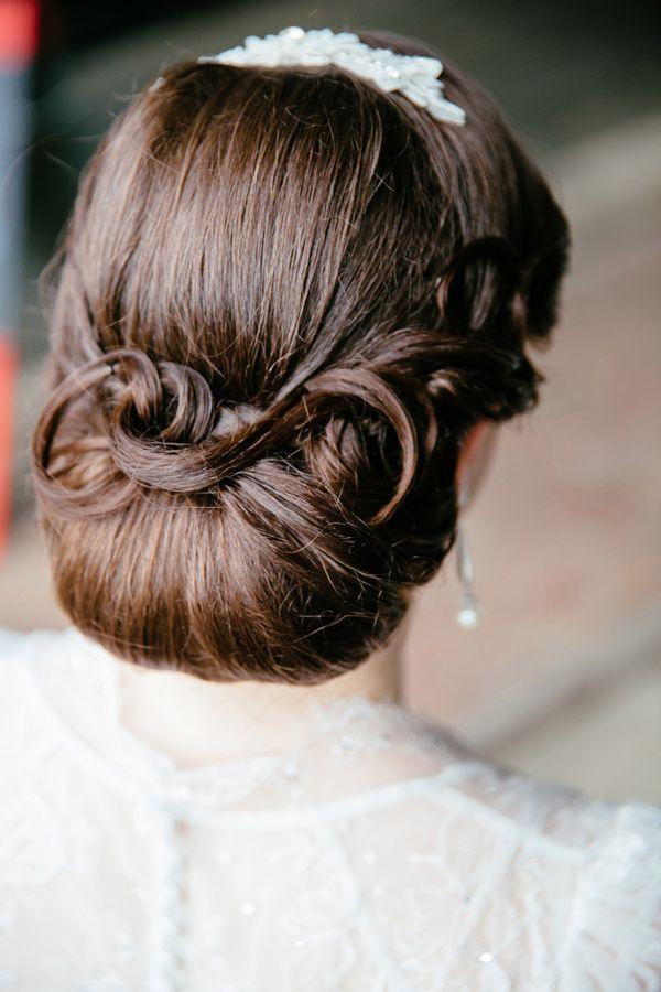 Penteados: updo do vintage para cada menina