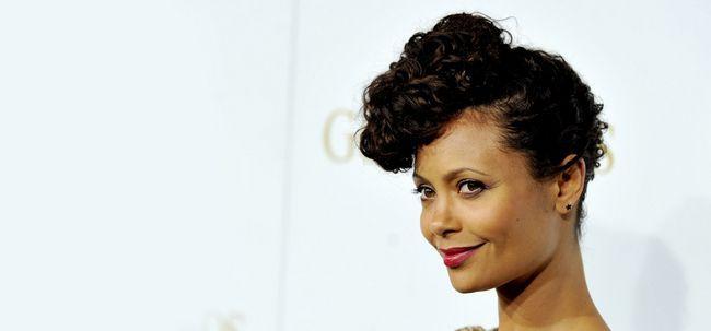 10 Penteados médio na moda para mulheres de pele escura