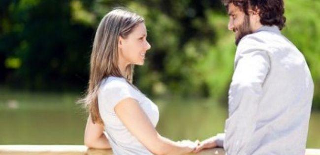 10 Sinais inegável que um cara é imensamente atraído por você