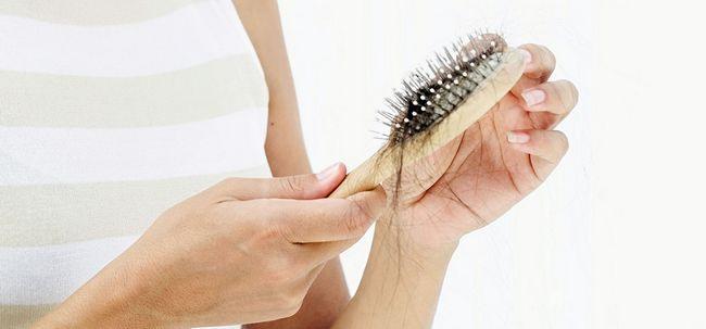 10 Sinais de alerta que mostram o seu hairfall está prestes a começar