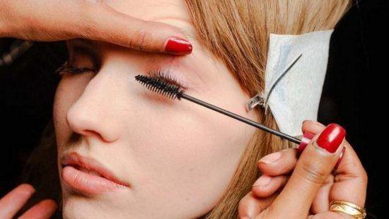 Como se tornar um maquiador