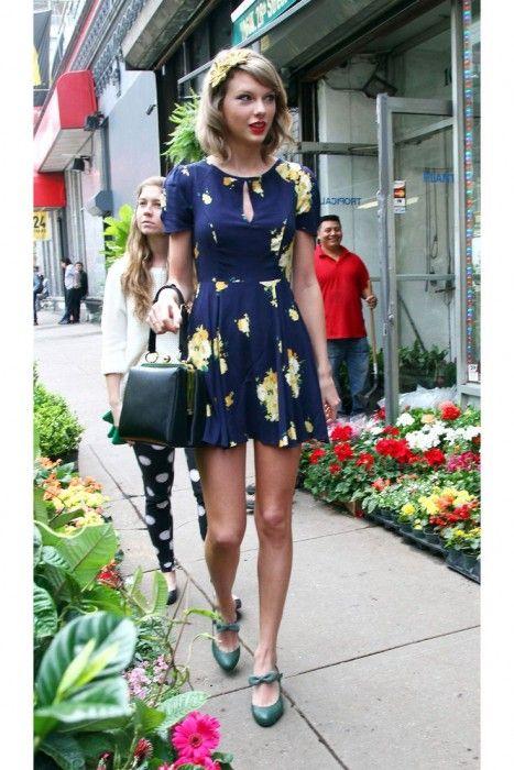 Taylor Swift ondulado Bob Haircut