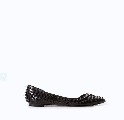 Zara balé de couro com tachas Flats (60 $)