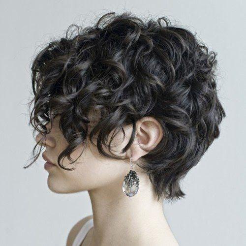 12 Penteados encaracolados curtos surpreendentes