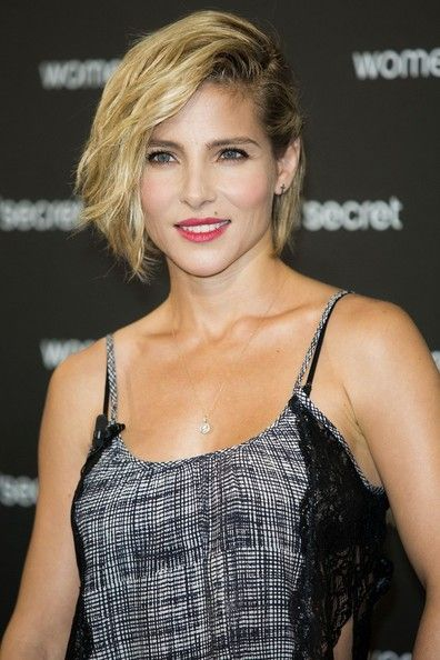13 Penteado à moda da celebridade olha para o cabelo curto e médio