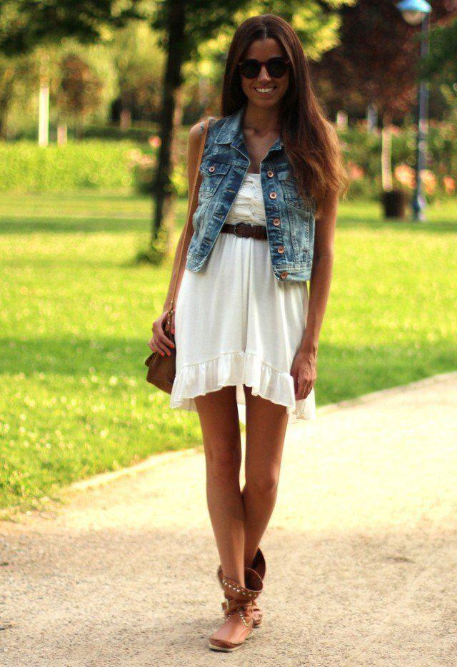 Idea branco do vestido de roupa com Denim Jacket