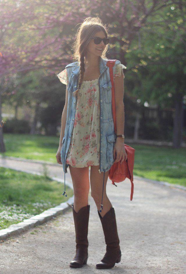 Vestido floral e Denim Outfit Idea