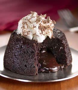 Molten Lava bolo de chocolate com creme