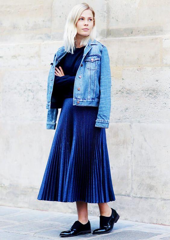 denim-top-e-azul-metálico-saia via