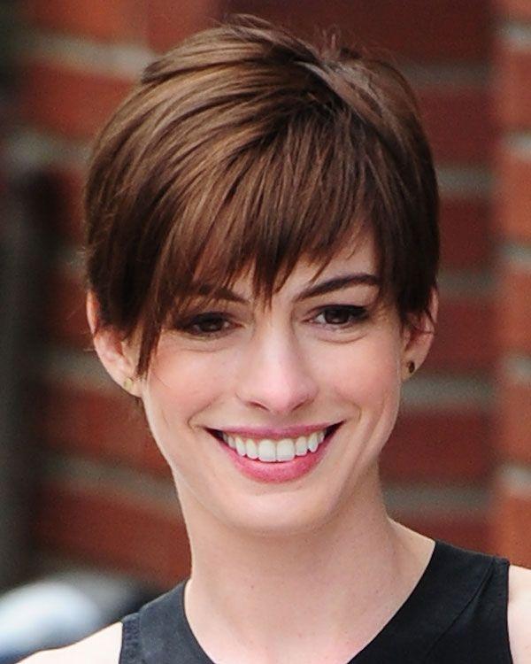 Anne Hathaway Pixie corte de cabelo