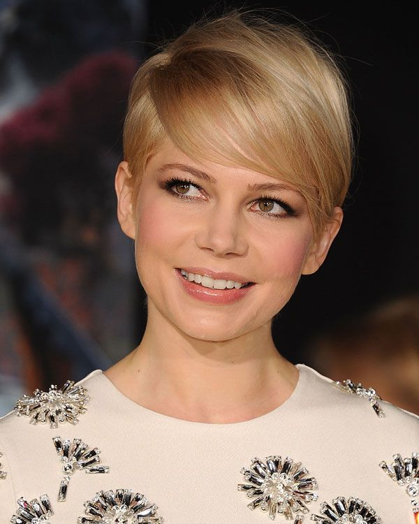 Michelle Williams Pixie corte de cabelo
