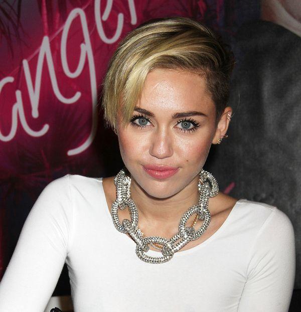 Miley Cyrus Pixie corte de cabelo