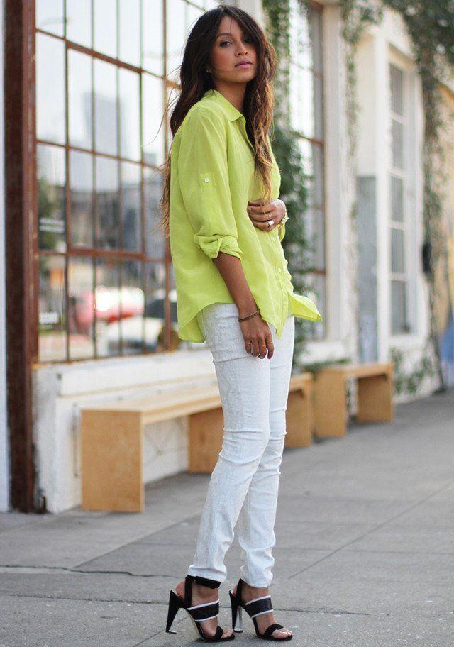 Branca Jeans Idea Outfit com brilhante blusa colorida