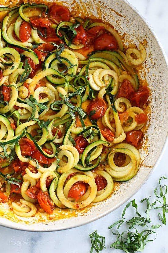 15 Maneiras de fazer delicioso macarrão com abobrinha