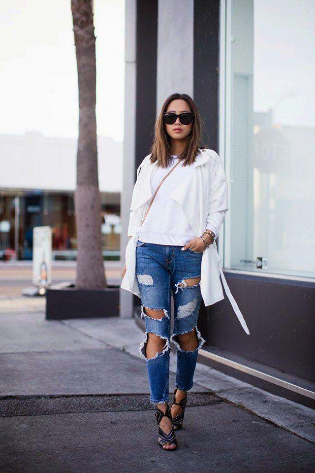 Top Branco com jeans rasgado