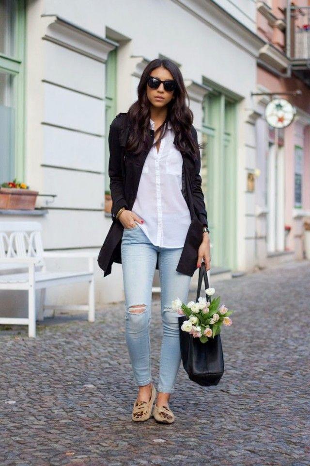 Camisa branca com jeans rasgado