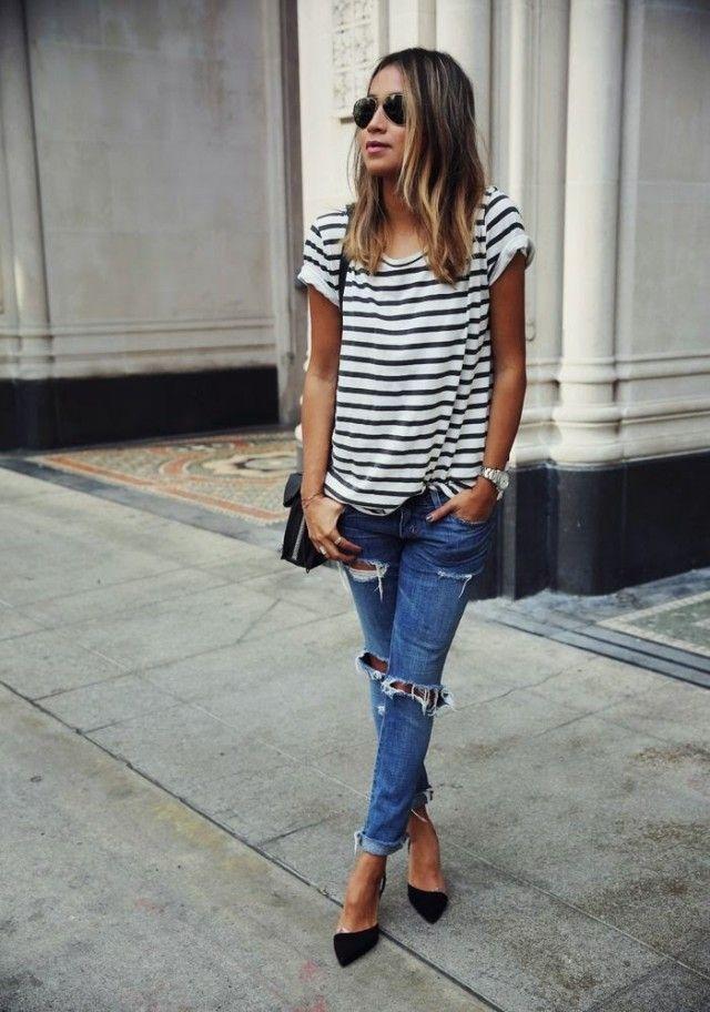 Striped T-shirt com jeans rasgado
