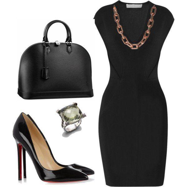 Vestido de noite preto e bolsa