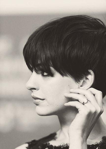 16 Mais quentes curto penteados de celebridades