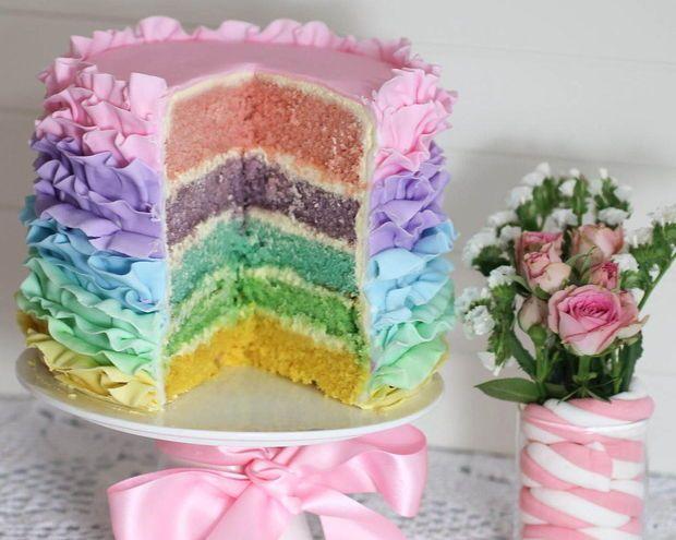 Pastel do arco-íris Ruffle bolo