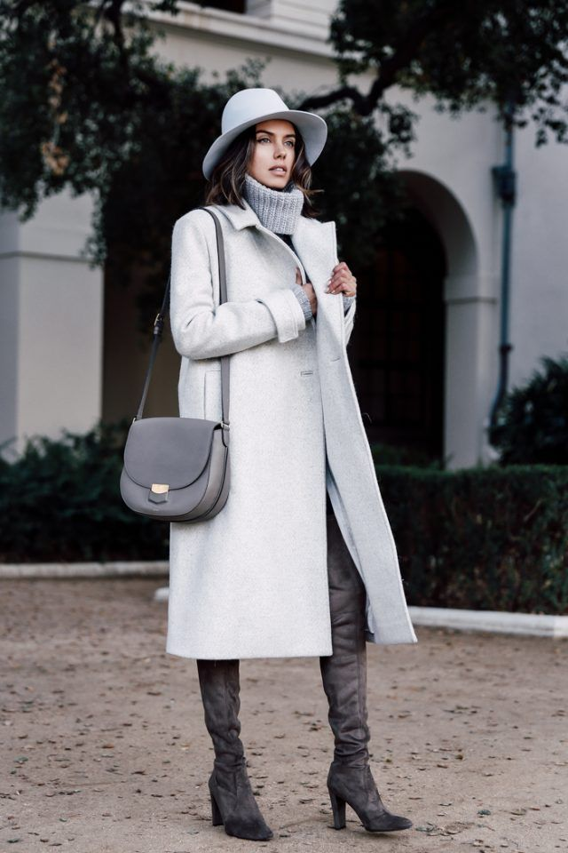 gola alta cinza-camisola e longo-trench-coat via