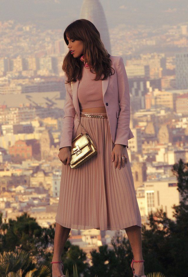 Na moda saia de Midi Outfit Idea