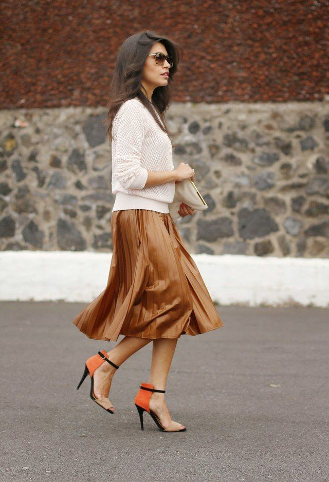 Graciosa saia de Midi Outfit para a queda precoce
