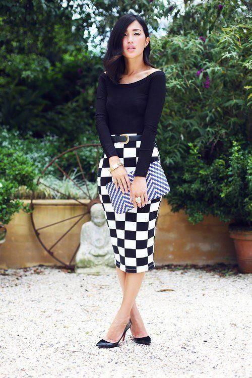 Quadriculada Pencil Skirt com Black Top