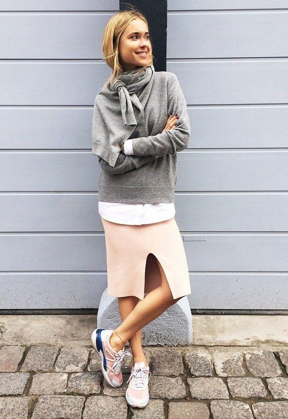 Camisola cinza e rosa saia