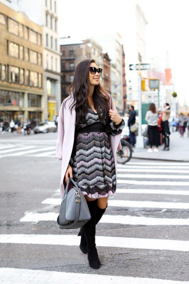 listrado-vestido-and-pink-coat via