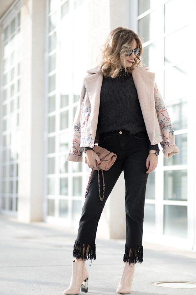 impresso-casaco-e-preto-franja-calças via
