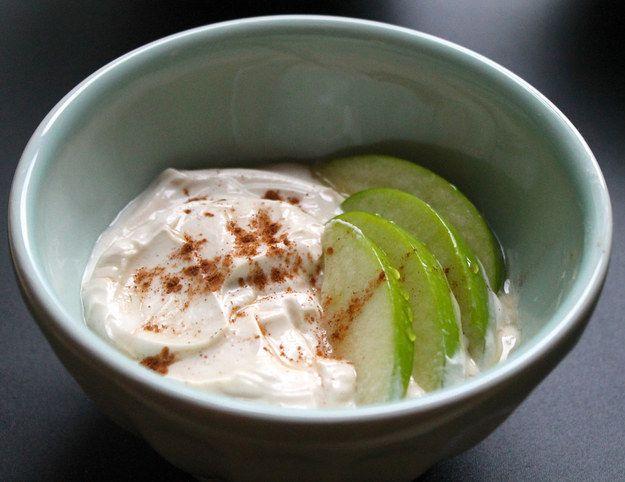 Manteiga de amendoim cremosa e mel Iogurte Dip