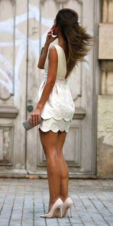 Vestido Branco e Salto nu via