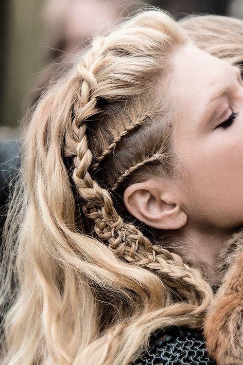 Crista de Galo penteado com tranças