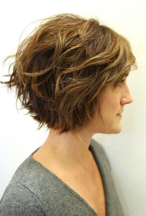 Curto Ondulado Bob penteados para mulheres
