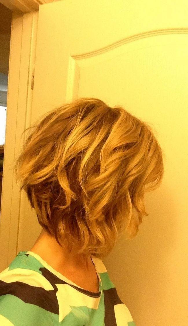 corte de cabelo bob curto suave ondulado para meninas