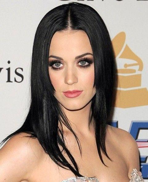 Kat Perry Penteados: Corte de cabelo Centro-parted Super-reta