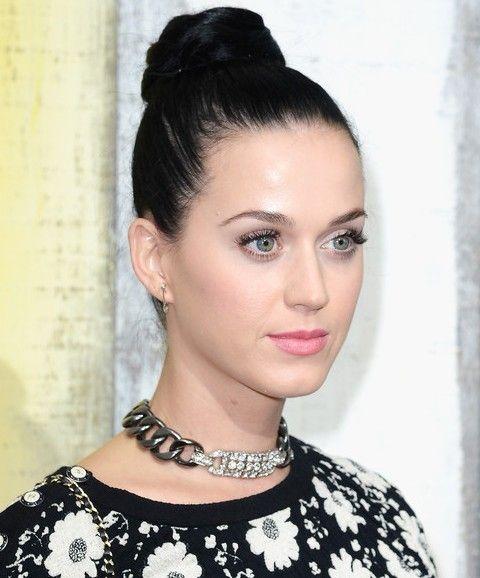 Kat Perry Penteados: Knot cabelo adorável