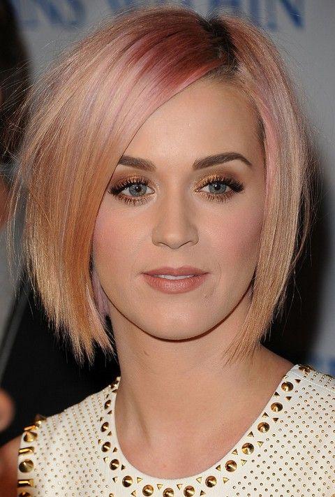 Kat Perry Penteados: Ombre camadas Navalha corte de cabelo