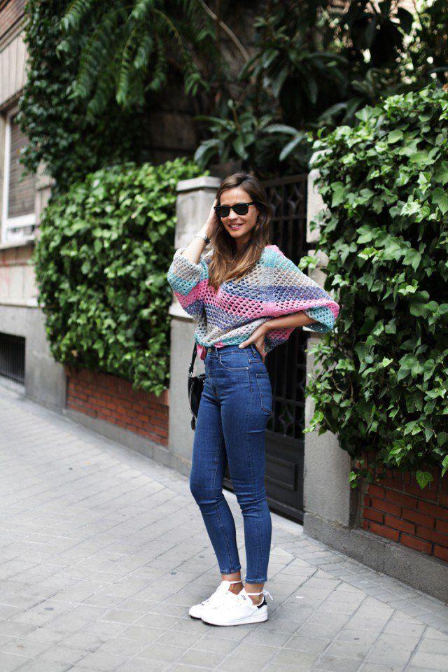 Camisola listrada e de cintura alta Jeans