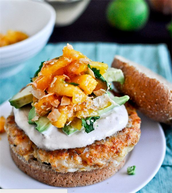 Burgers camarão receita de camarão com creme Chipotle e Peach Salsa