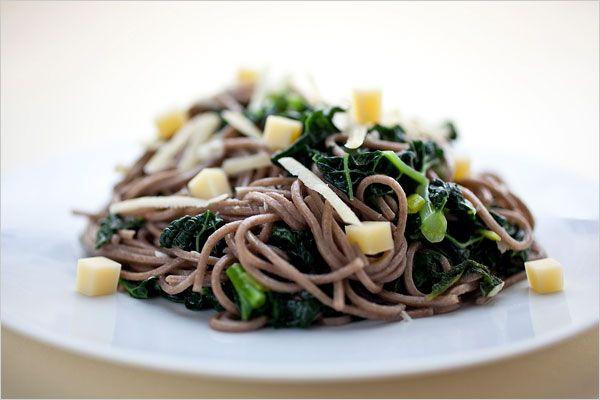 Buckwheat Massa com Kale