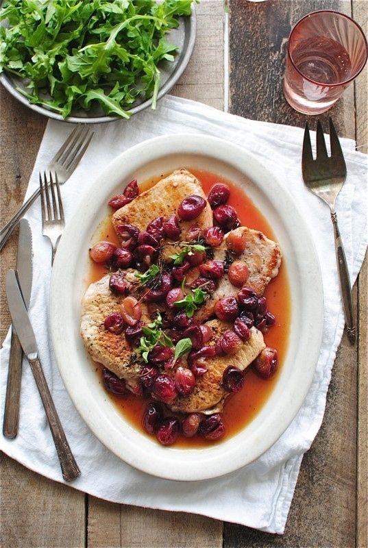 Carne de porco grelhado com uvas Roasted
